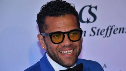 Ex-Reds Chief Executive Reveals Why the Club Did Not Sign Dani Alves Prior to His Barca Move