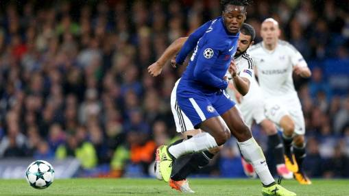Antonio Conte's lack of faith in Michy Batshuayi not helping Chelsea