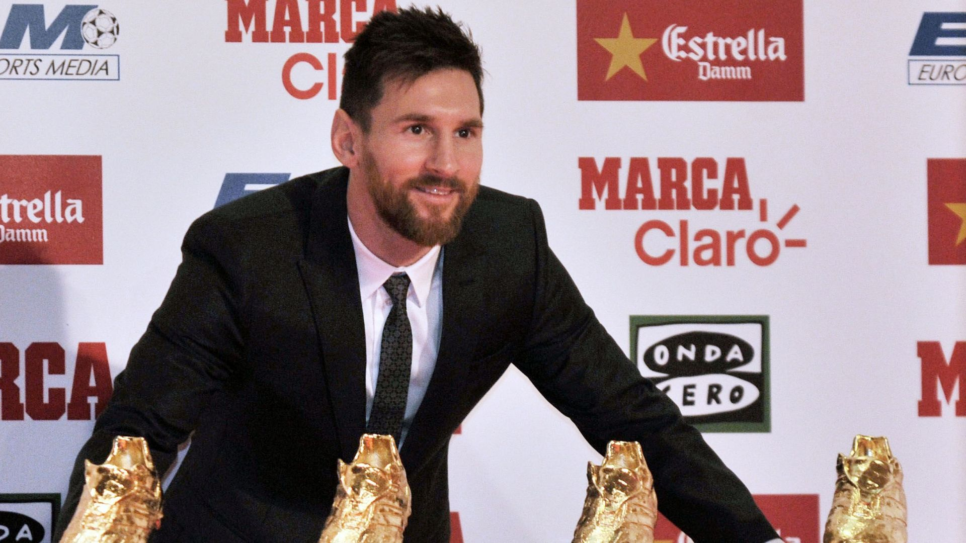 Messi signs Barcelona contract until 2021