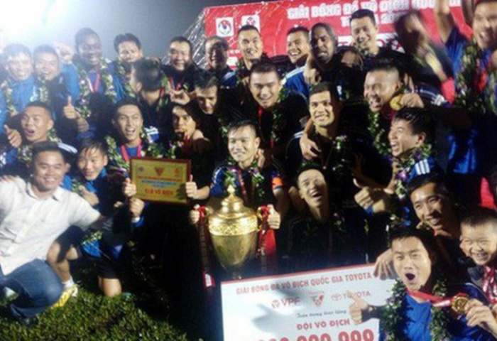 Emotional Phuc dedicates V.League title to mother
