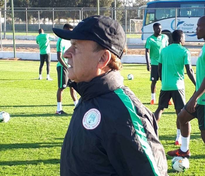 Super Eagles coach Gernot Rohr bars players' wives, girlfriends from camp