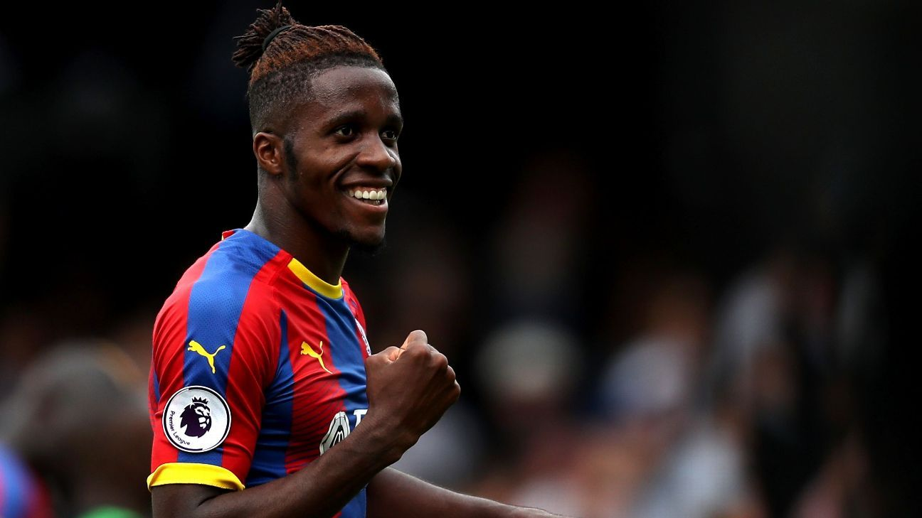 Crystal Palace's Wilfried Zaha extends contract until 2023