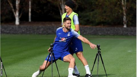 Chelsea defender Gary Cahill to ask for January move