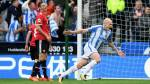 Young Huddersfield fan sends Aaron Mooy £5 note and heartwarming letter