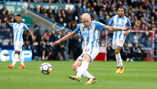 Young Huddersfield Town Fan Goes Viral After Penciling Letter Asking to Give £5 to Aaron Mooy