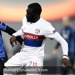 MANCHESTER UNITED in touch with NDOMBELE's entourage