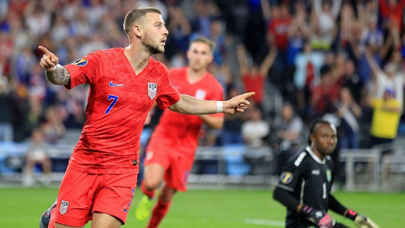D.C.'s Arriola joins Morris on loan at Swansea