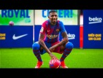 EMERSON ROYAL steps on the Camp Nou for the FIRST TIME!